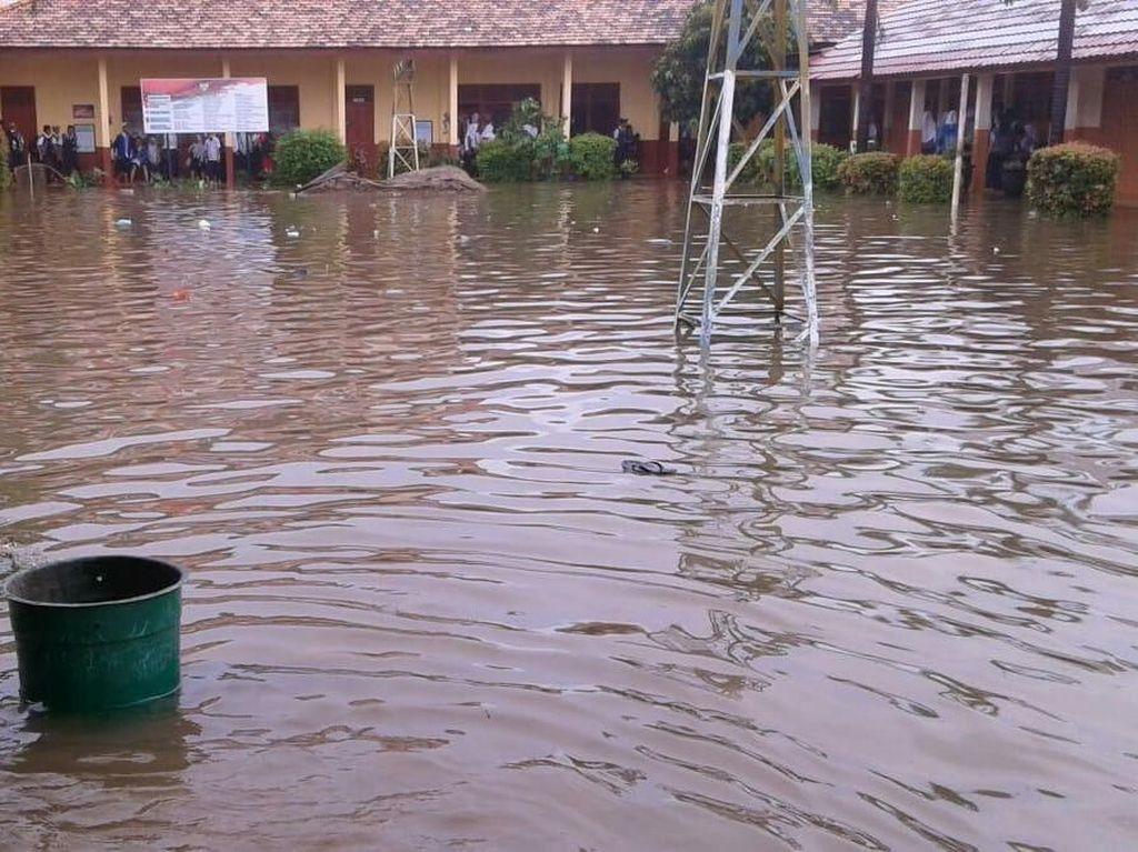 Banjir Palembang, Pemkot Imbau Sekolah Diliburkan