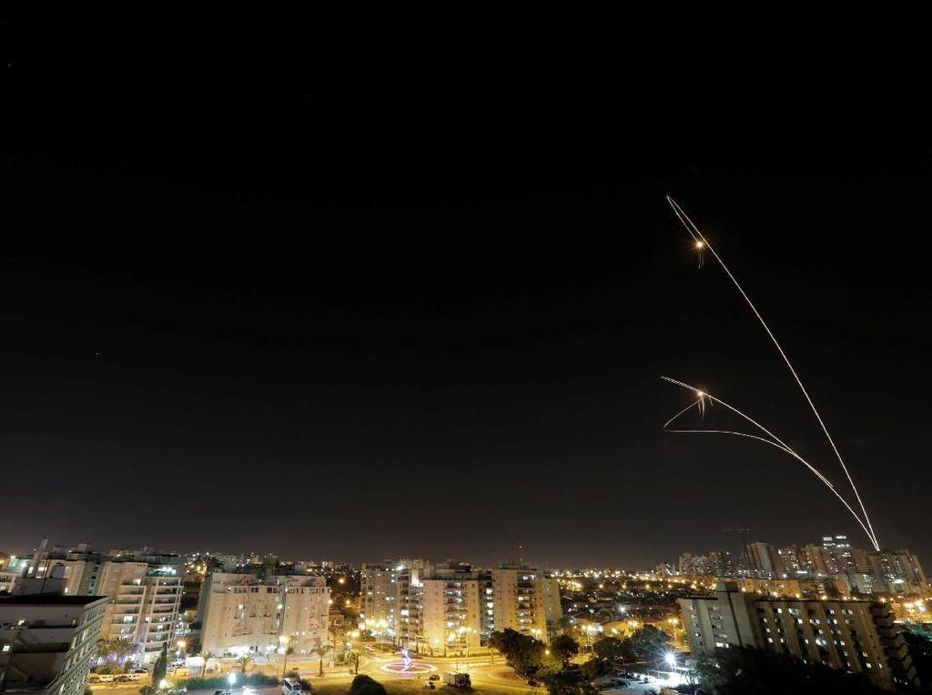 Video Jalur Gaza Memanas! Palestina-Israel Saling Gempur