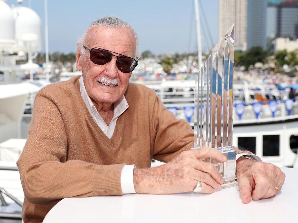 Kenang Stan Lee, Netizen Bagikan Aksi Cameo Terbaiknya