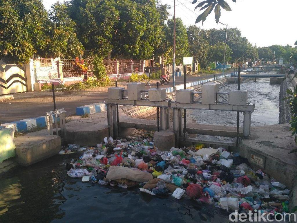Pandangan Pelopor Antisedotan Dunia soal Problem Sampah Plastik RI