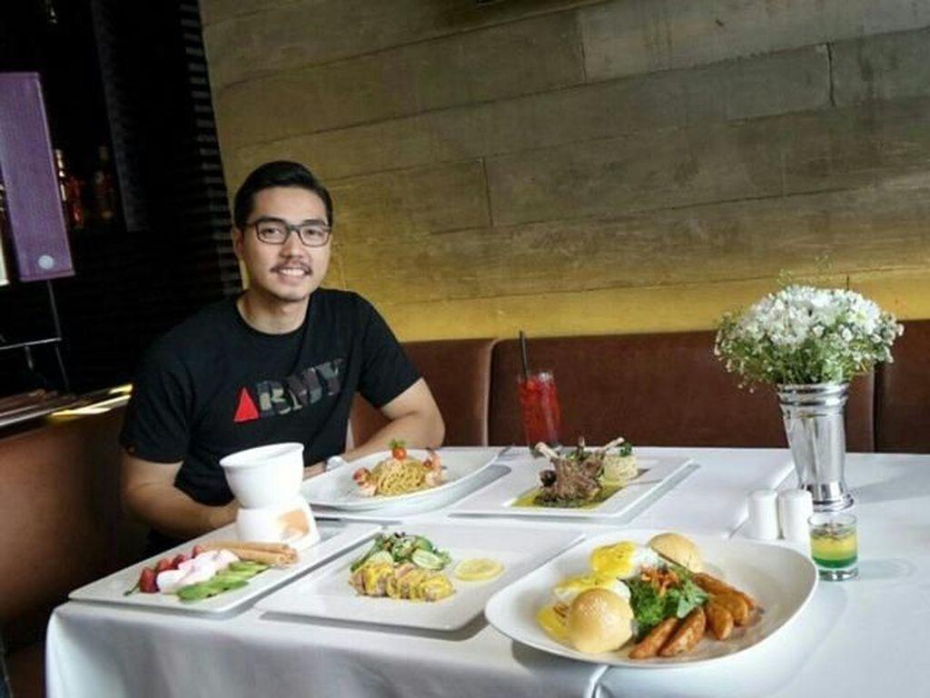8 Momen Suami Ganteng Ncyta Gina, Rizky Kinos Saat Makan