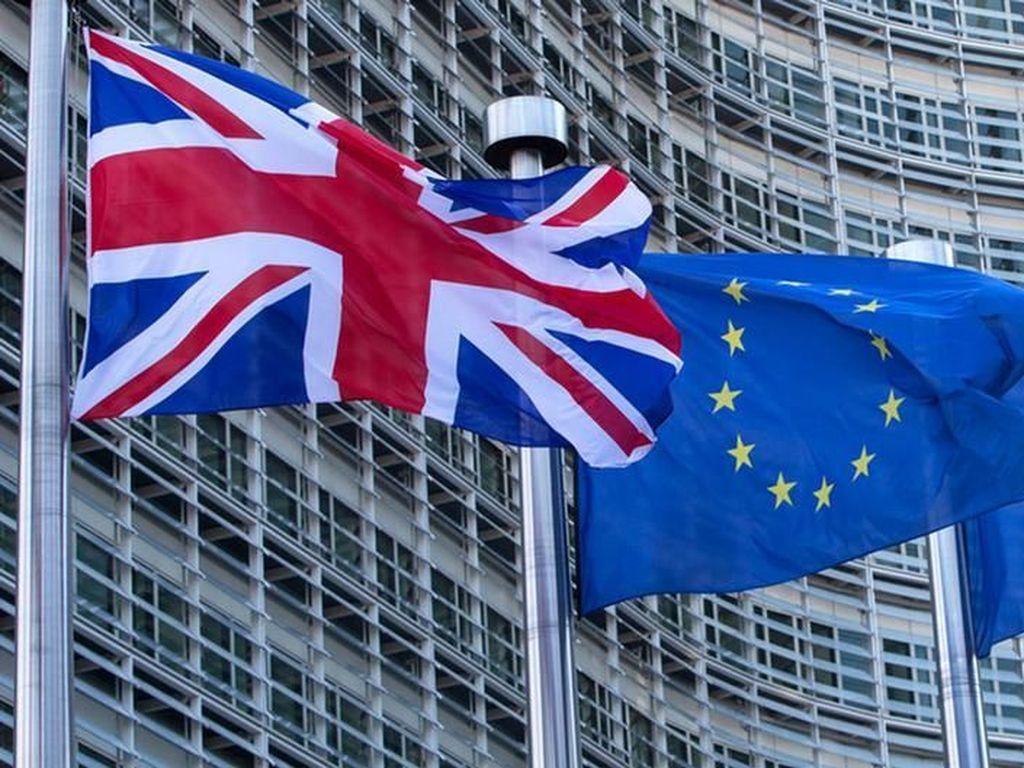 Negosiator Uni Eropa Kena Corona, Kesepakatan Dagang Brexit Ditunda