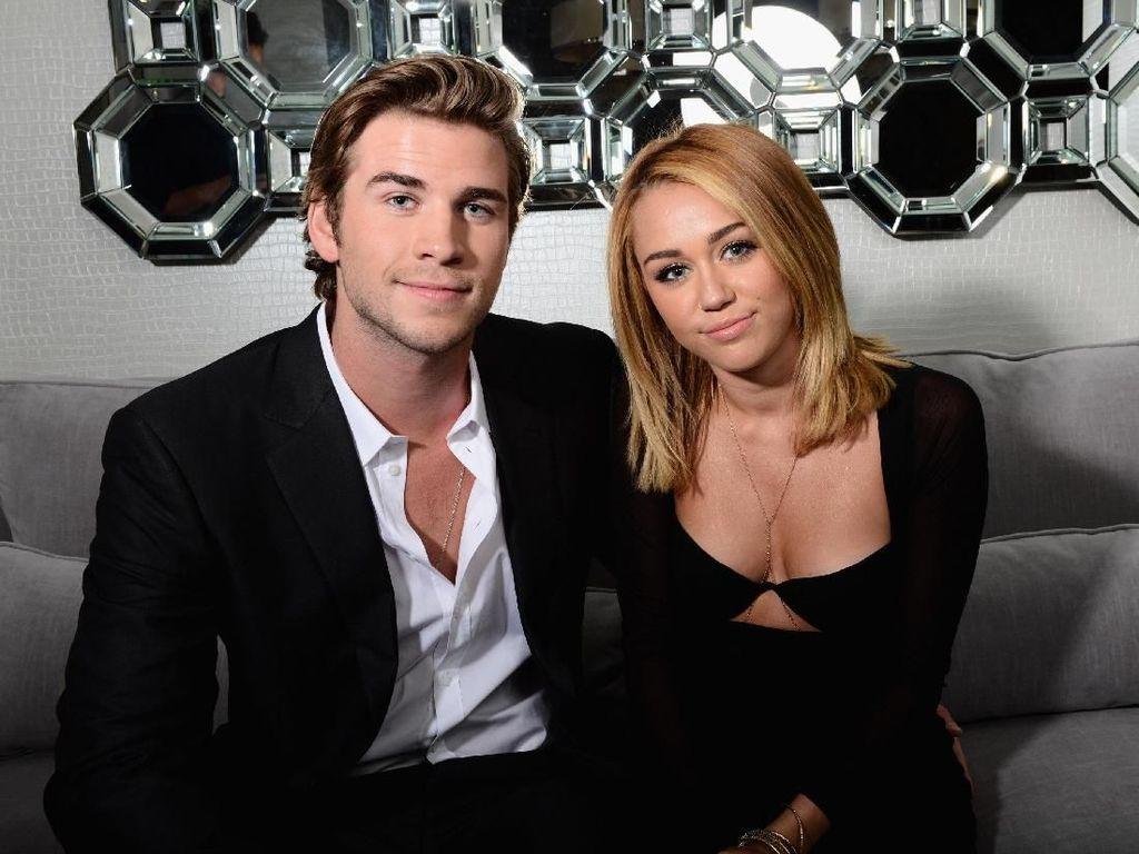 Naik Turun Perjalanan Cinta Miley Cyrus dan Liam Hemsworth