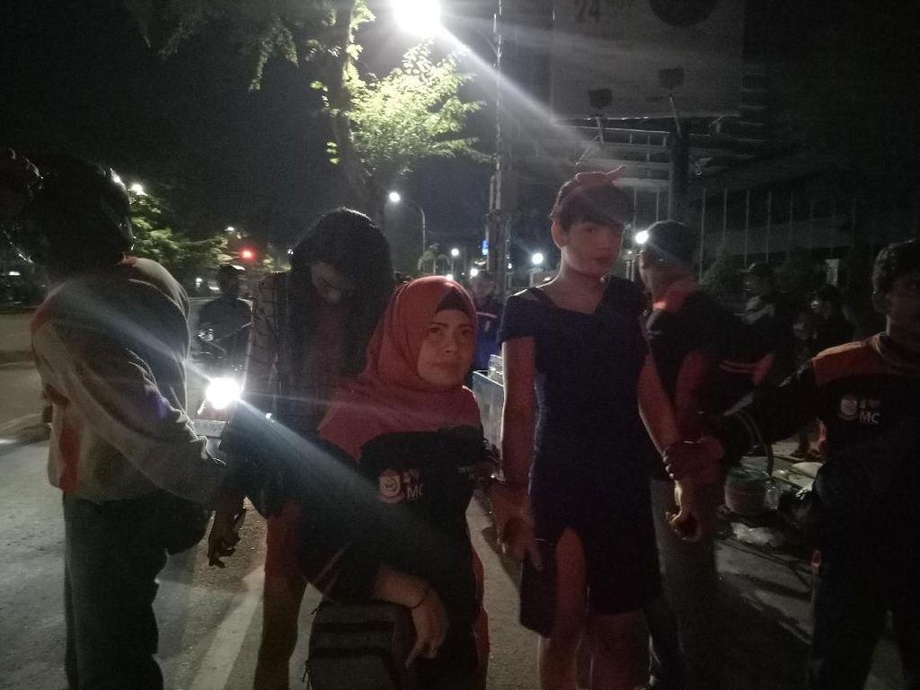 Pasangan Mesum-Waria Kena Razia Penyakit Masyarakat di Makassar