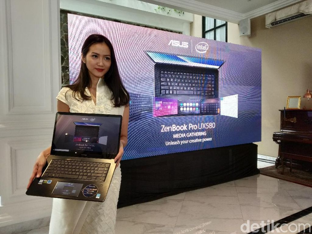 Spek Zenbook Pro 15 UX580, Laptop Dua Layar yang Masuk Indonesia