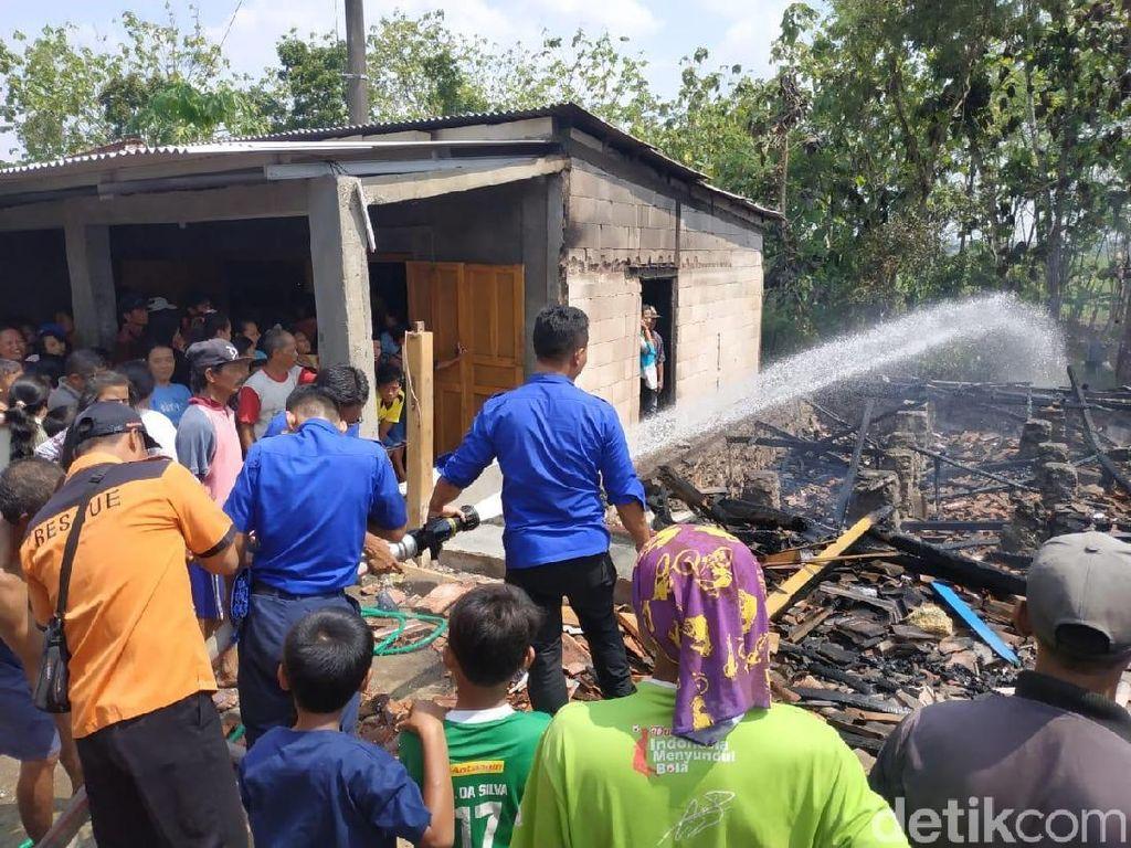 2 Rumah dan 3 Motor Ludes Dilalap Api di Grobogan