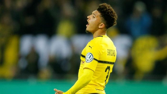 Jadon Sancho disebut-sebut menjadi bintang masa depan Inggris. Winger berusia 19 tahun ini sudah menjadi pemain inti Borussia Dortmund, dengan musim ini tampil sebanyak 42 kali dan mencetak 12 gol serta 19 assist. (Foto: Leon Kuegeler/Reuters)