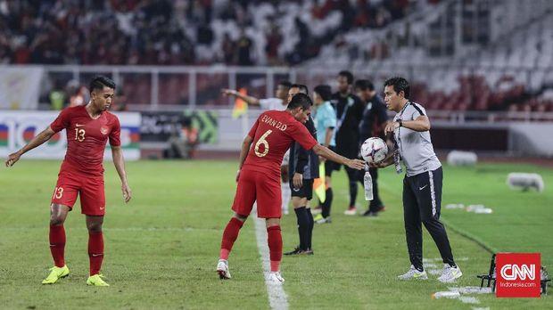 Bima Sakti dianggap merasakan tekanan melatih Timnas Indonesia di Piala AFF 2018.