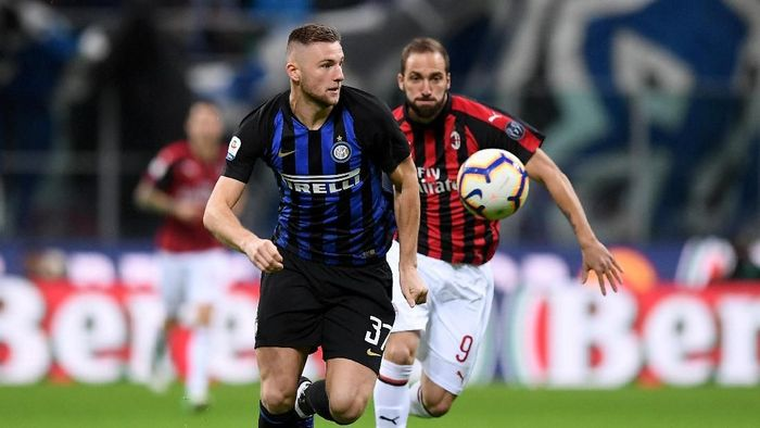 Milan Skriniar sedang bicarakan kontrak baru dengan Inter Milan (Alberto Lingria/REUTERS)