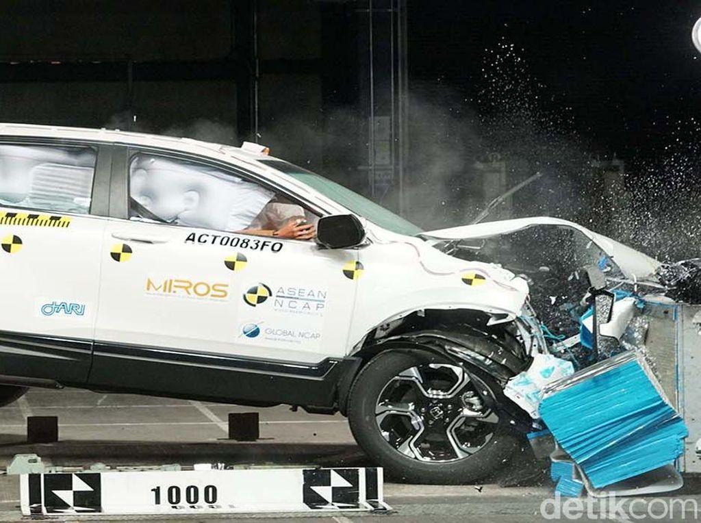 Crash Test Honda CR-V dan DFSK Glory 580, Mana yang Terkuat?