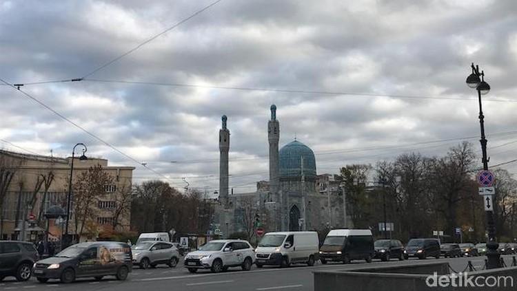 Foto: Megah & Cantiknya Masjid Sukarno di Rusia