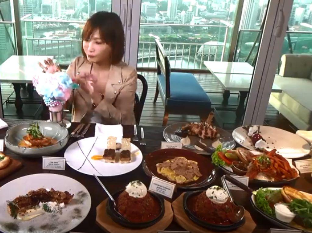 Wouw, YouTuber Ramping Ini Habiskan 9 Kg Makanan Senilai 14.000 Kalori!