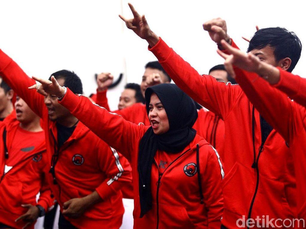 Prabowo-Sandi Mengusik Kandang Banteng