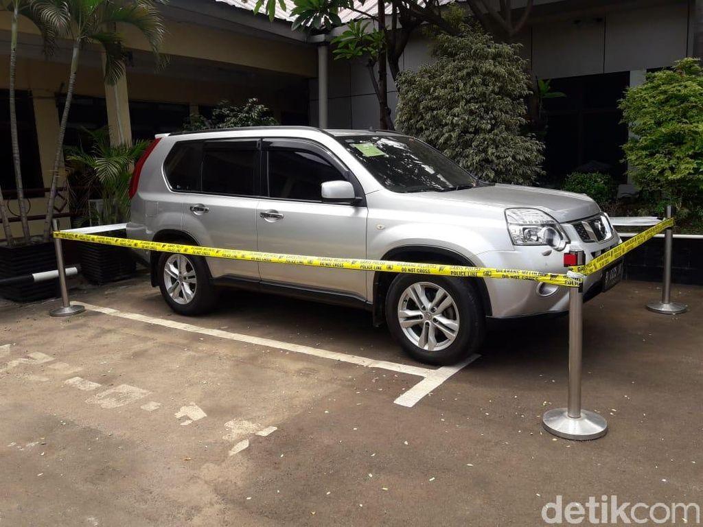 Detik-detik Penangkapan HS yang Diduga Bunuh Sekeluarga di Bekasi