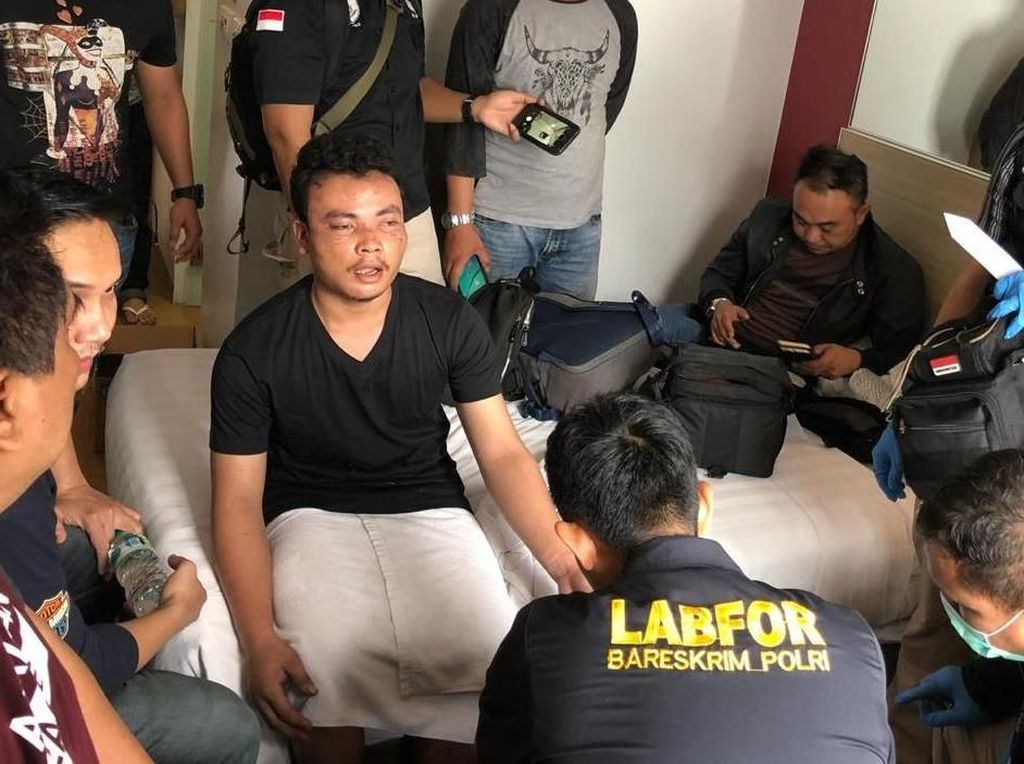 Polisi Tahan Tersangka Pembunuhan Satu Keluarga di Bekasi