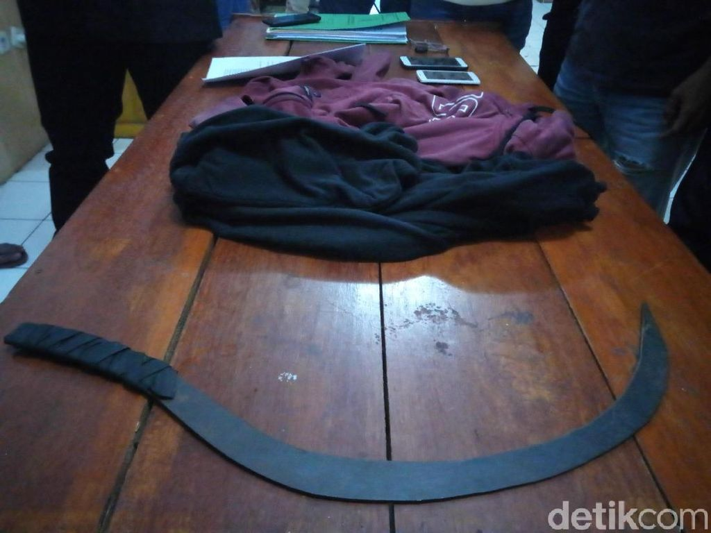 Curi Ponsel dan Tusuk Korban, Pemuda Mabuk Ditangkap Polisi