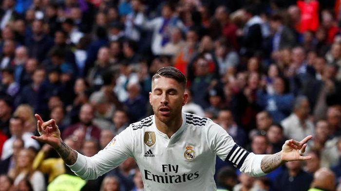 Sergio Ramos enggan menanggapi komentar pedas Dejan Lovren (Foto: Juan Medina/Reuters)
