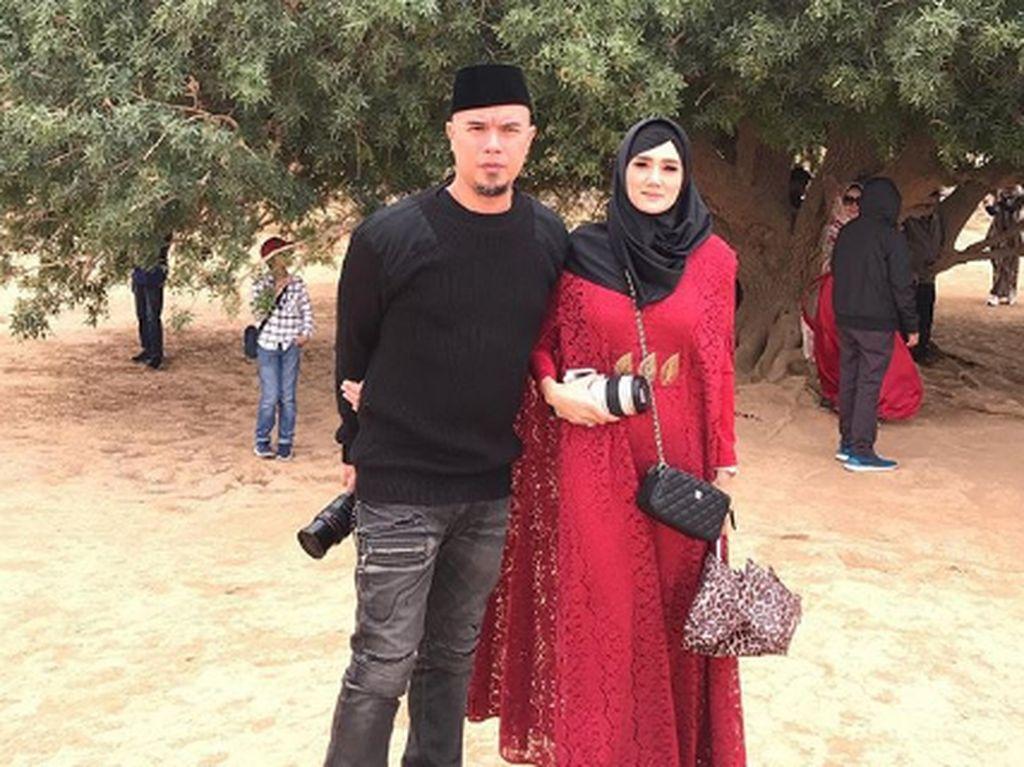 Diisukan akan Gugat Cerai Dhani, Mulan Jameela Doakan Barokah
