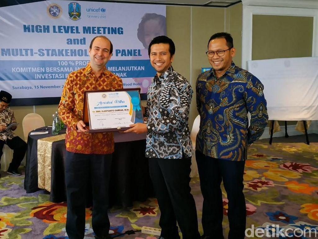 Trenggalek Raih Penghargaan Mitra Unicef dan Natamukti