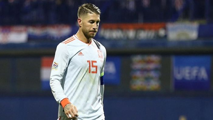 Sergio Ramos mengalami cedera saat tampil bersama timnas Spanyol dan akan kembali ke Real Madrid (Foto: Antonio Bronic/Reuters)