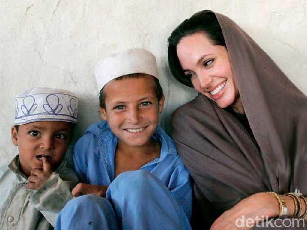 Pengakuan Angelina Jolie Malu Jadi Warga Amerika