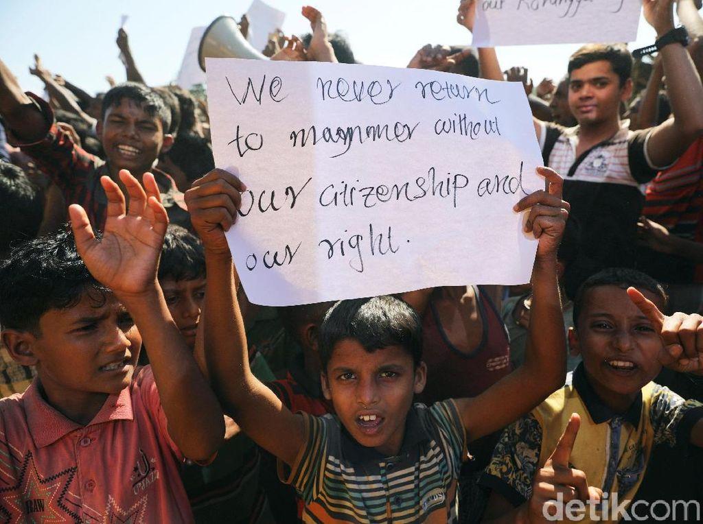 Aksi Pengungsi Rohingya Tolak Repatriasi