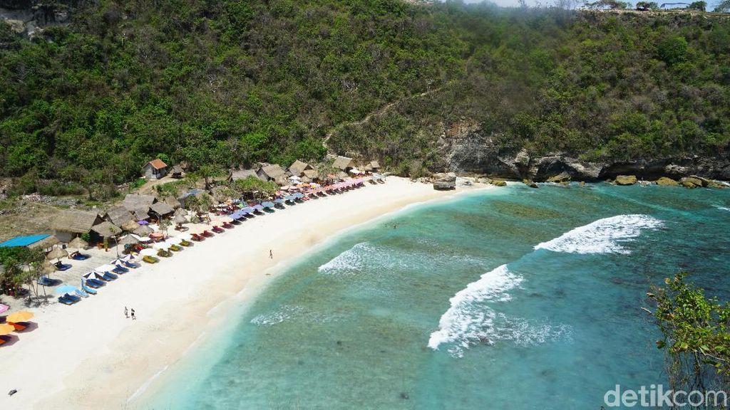 Foto: Pantai Atuh, Pantai Cantik Tersembunyi di Nusa Penida