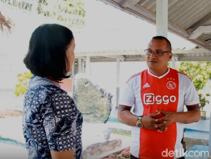 Wawancara staf Kantor Staf Kepresidenan (KSP), Ratna Dasahasta, dengan John Kei di Nusakambangan (Dok YouTube)