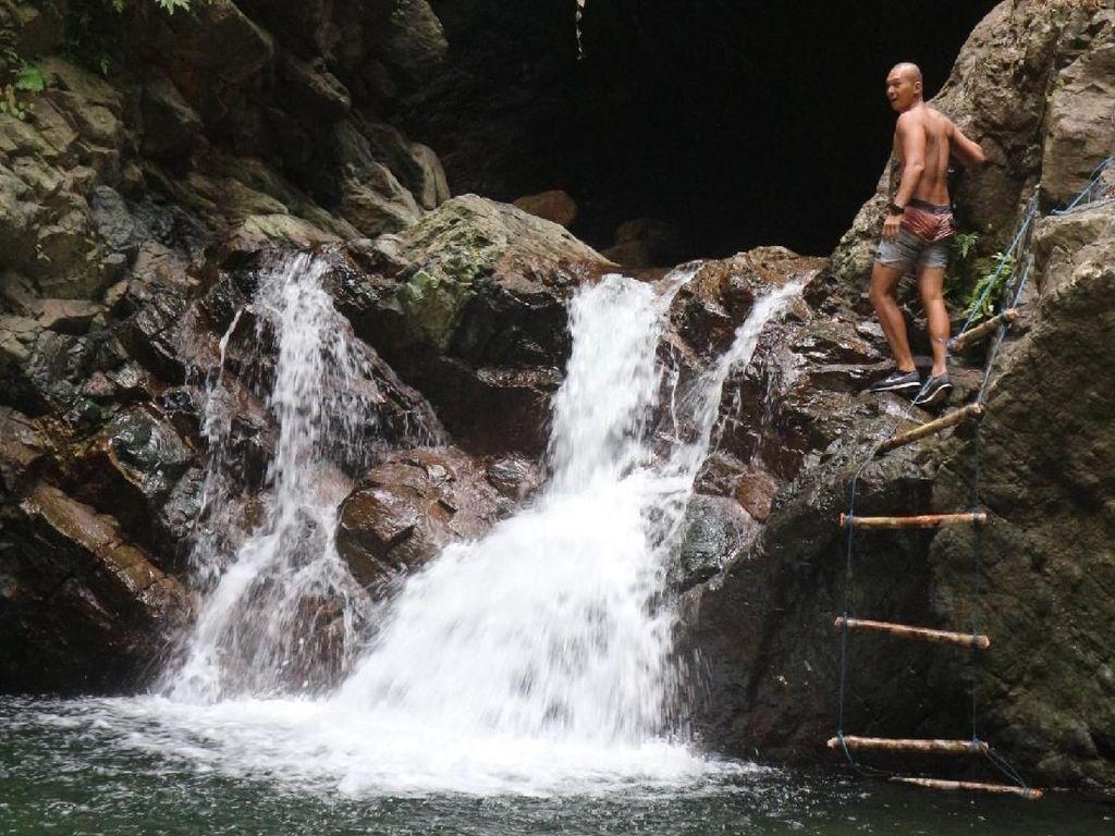 Tempat Wisata yang Enteng Jodoh, Foto Underwater Terbaik Indonesia