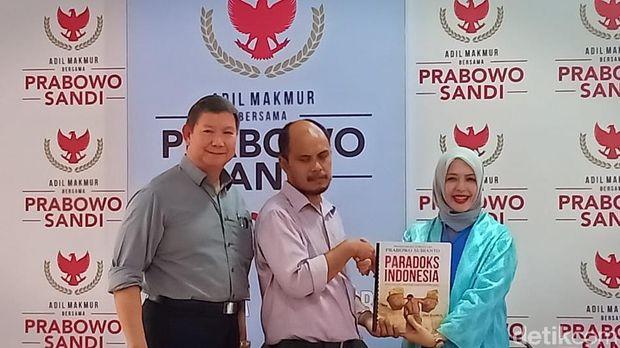 Buku Paradoks Indonesia juga diterbitkan dalam versi braille.