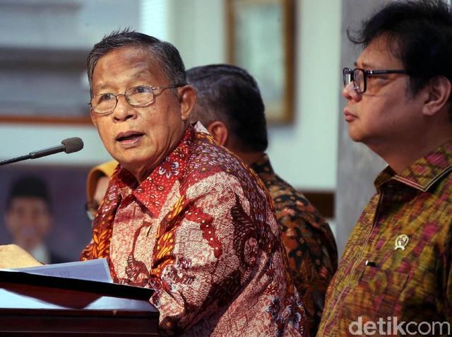 3 Menteri Luncurkan Paket Kebijakan Ekonomi Baru Jokowi