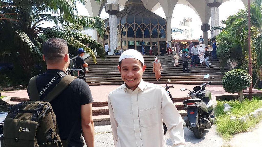 Berkopiah dan Berjubah, Skuat Garuda Jalani Salat Jumat di Bangkok