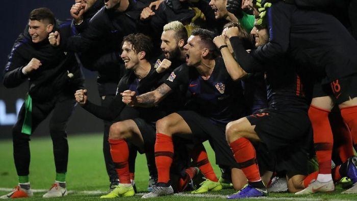 Timnas Kroasia berhasil menjaga peluang lolos ke semifinal UEFA Nations League (REUTERS/Marko Djurica)