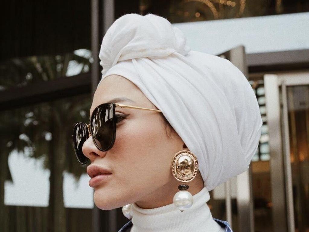 Nikita Mirzani Lepas Hijab?