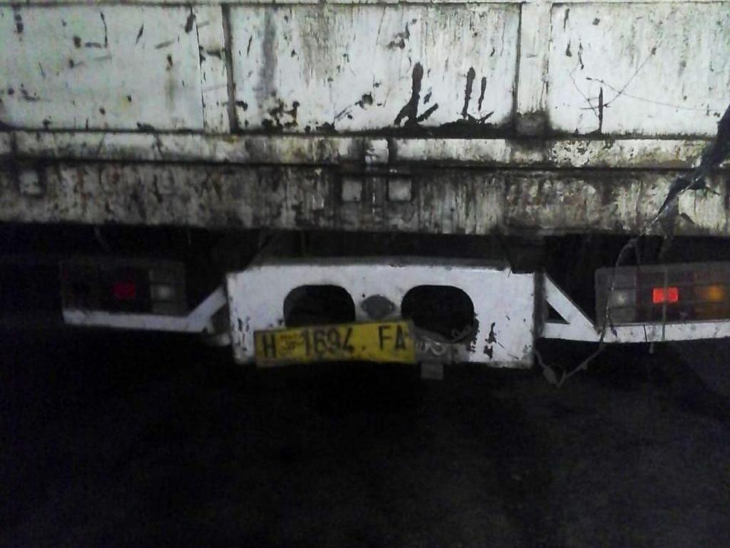 Kecelakaan Truk vs Motor di Cakung, Satu Orang Tewas