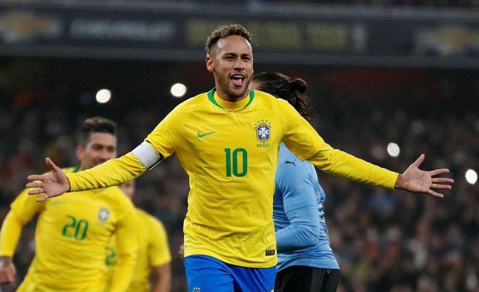Laga antara Brasil vs Uruguay berlangsung di Stadion Emirates, Sabtu (17/11/2018) dinihari WIB. Reuters/Peter Cziborra.