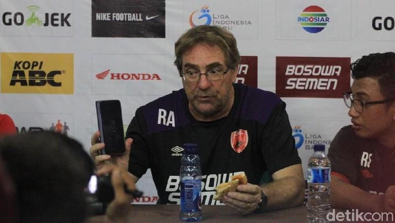 Robert Rene Alberts Tinggalkan PSM Makassar?