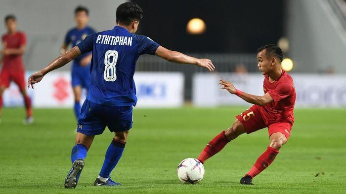 Indonesia sementara tertinggal 1-2 dari Thailand di babak I Piala AFF 2018. Foto: ANTARA FOTO/Akbar Nugroho Gumay/kye