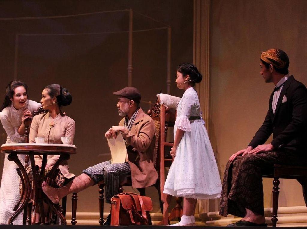 Teater Bunga Penutup Abad Ajak Penonton Nostalgia