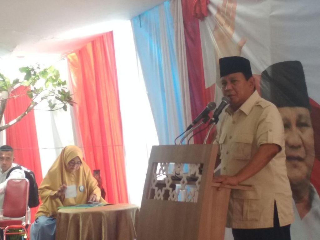 Prabowo: Di Belakang Laki-laki Berhasil, Pasti Ada Emak-emak