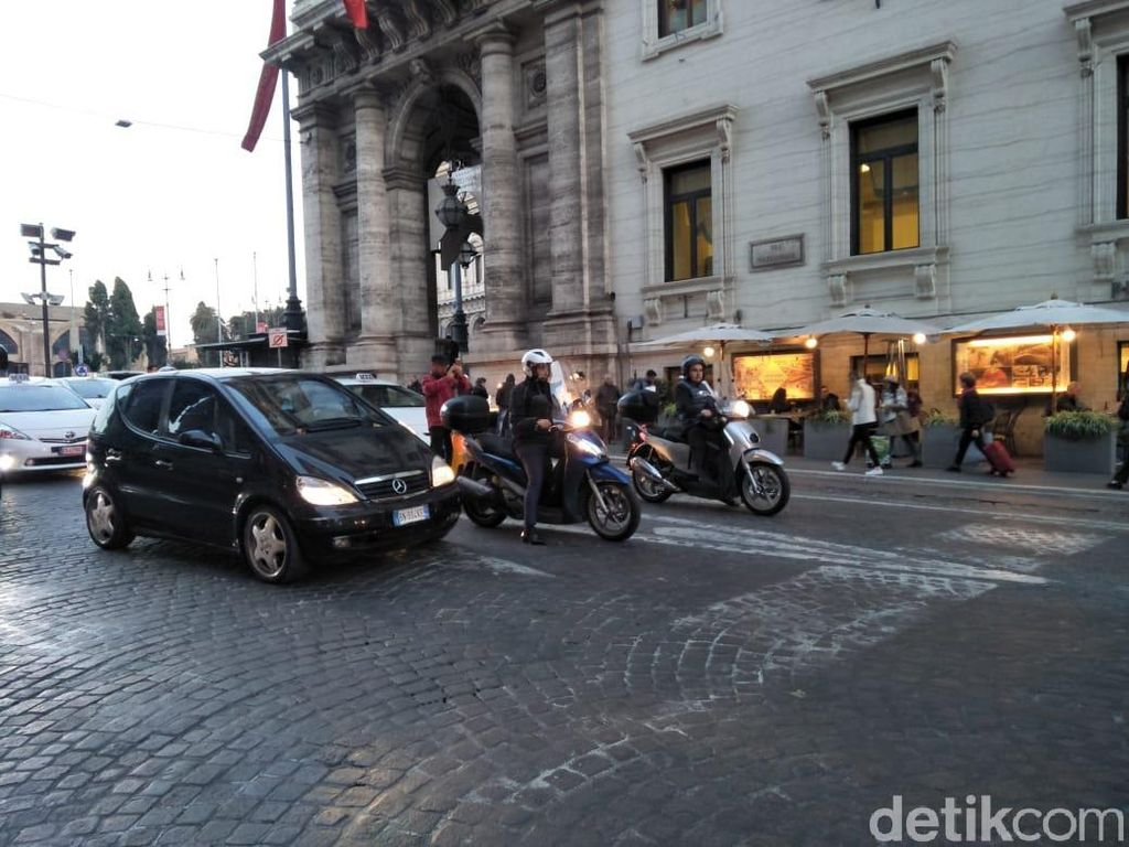 Seperti Jakarta, Roma Juga Macet, Tapi Ada Bedanya