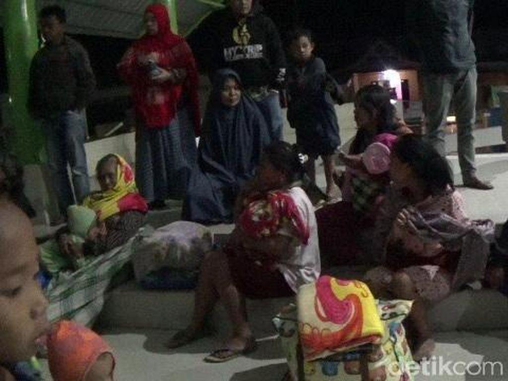 Mamasa Diguncang Gempa M 4,7, Pengungsi Panik Tinggalkan Tenda
