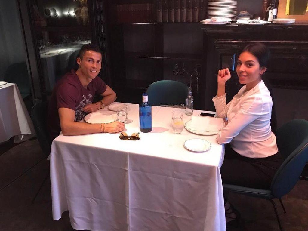 Intip Momen Makan Romantis ala Cristiano Ronaldo dan Georgina Rodriguez