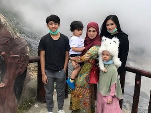 Dibilang Posting Nggak Jelas, Putri Mulan Jameela Balas Komentar Lucu