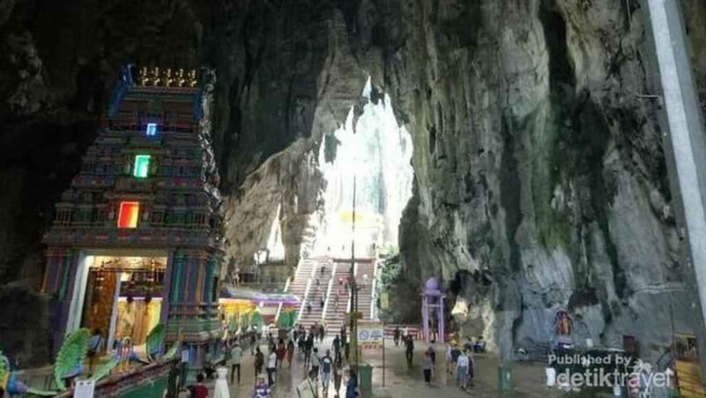 Kemegahan Bukit Kapur Berwarna-warni di Batu Caves, Malaysia