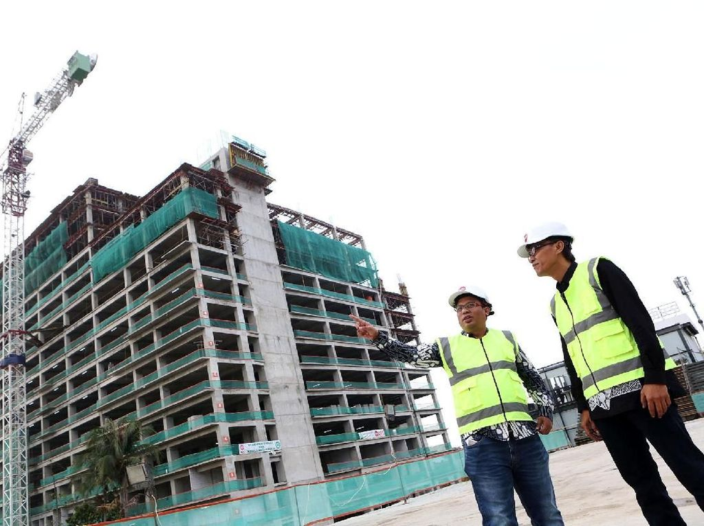 Topping Off Apartemen Tower I Gateway Park