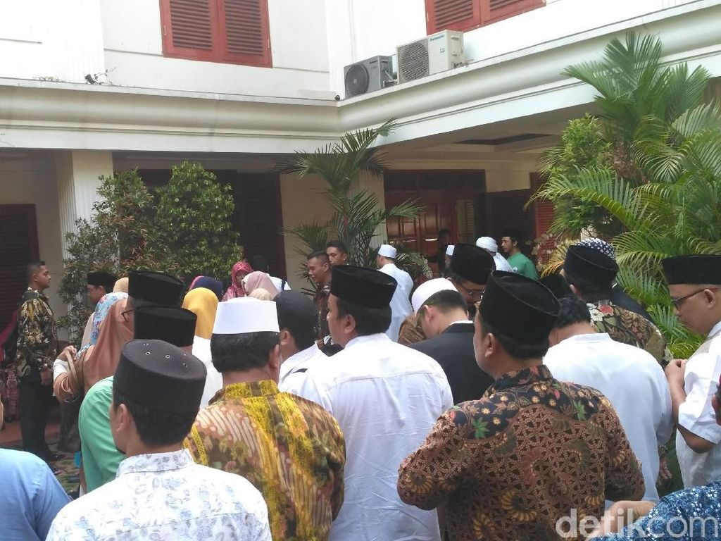Prabowo Bertemu Organisasi Pemuda di Kertanegara