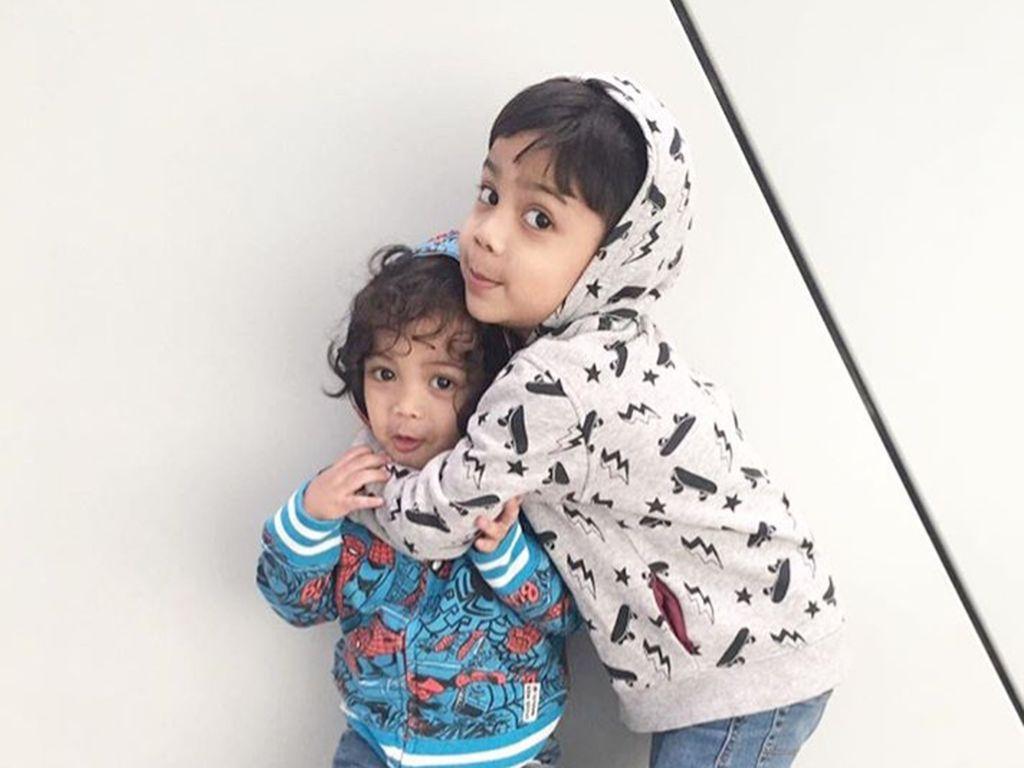 Kenalan dengan Cucu-cucu Jajang C Noer yang Menggemaskan