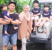 Ratna Galih dan keluarga