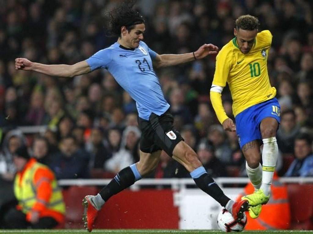Mbappe Tegaskan Tak Ada Masalah antara Cavani dan Neymar